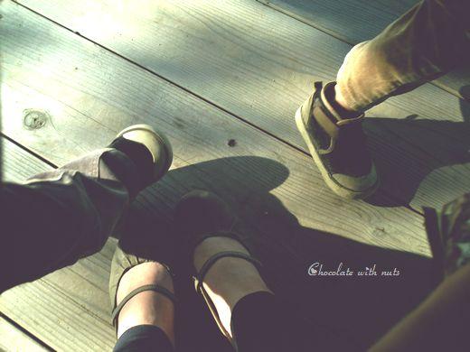29 3人の足.jpg