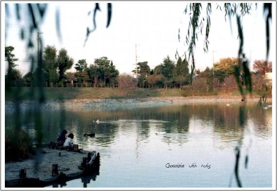 21 池と.jpg